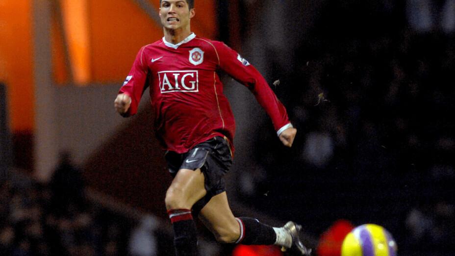 Fecha del debut de Cristiano Ronaldo con el Manchester United.png