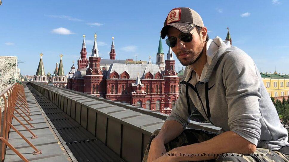 Enrique Iglesias le da el último adiós a Carlos Falcó