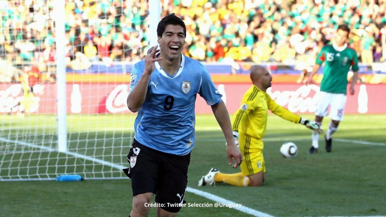 8 Luis Suarez.jpg