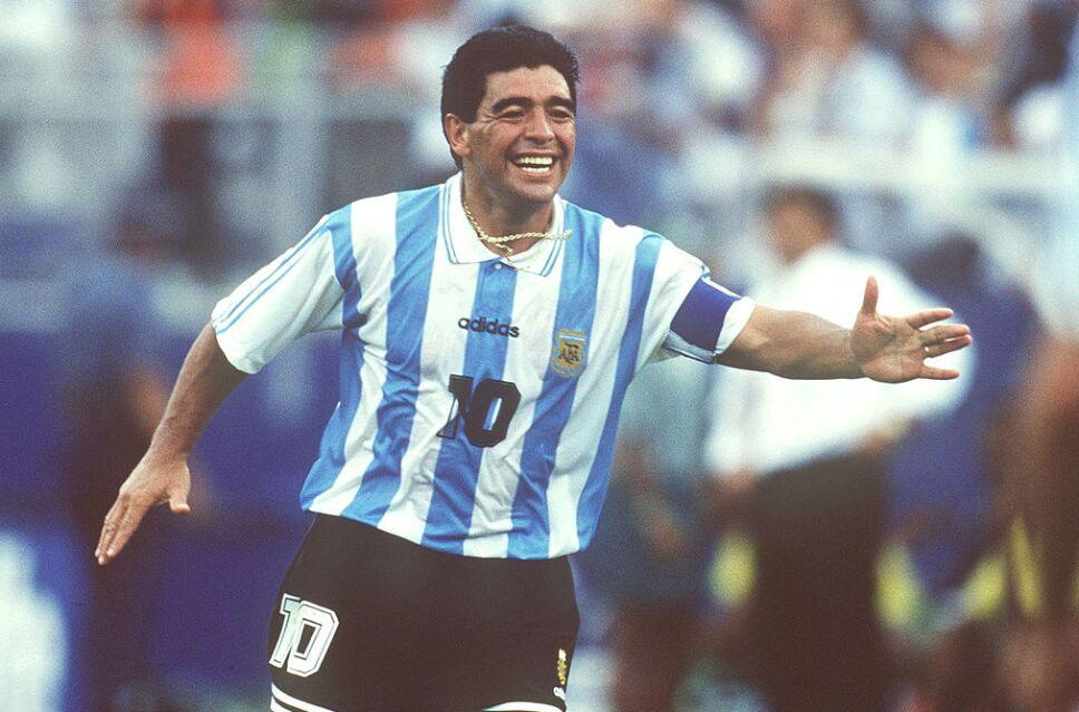 Si muero, quiero volver a nacer y ser Diego: Maradona