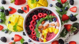 Protege tu salud y sistema inmunológico consumiendo estos alimentos que te ayudan a subir las defensas.