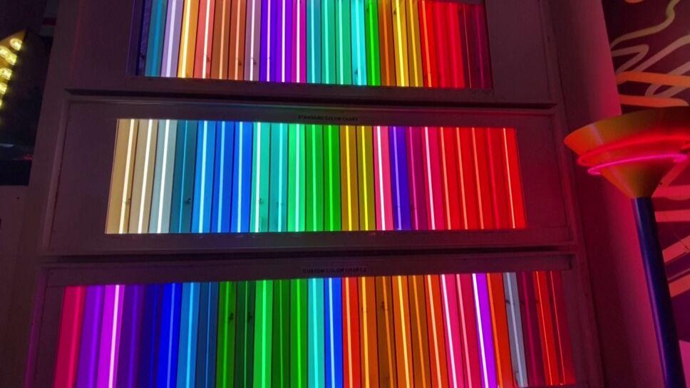 """""""Let There Be Neon"""" cumple 50 años dando luz"""