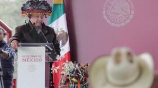 López Obrador dialoga con Wixárikas de Jalisco