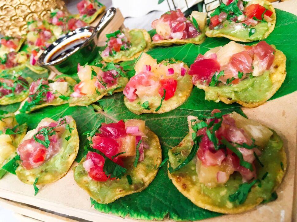 Tostadas de ceviche de atún, cocineros mexicanos
