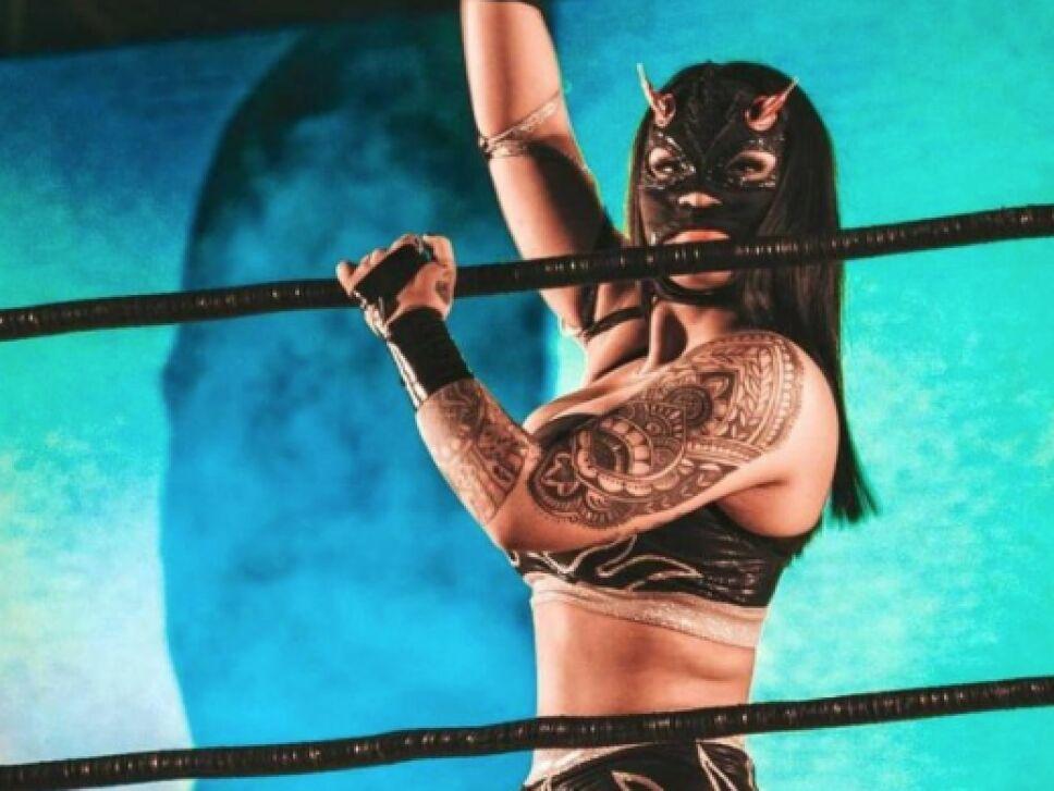 Lady Flamer luchadora AAA