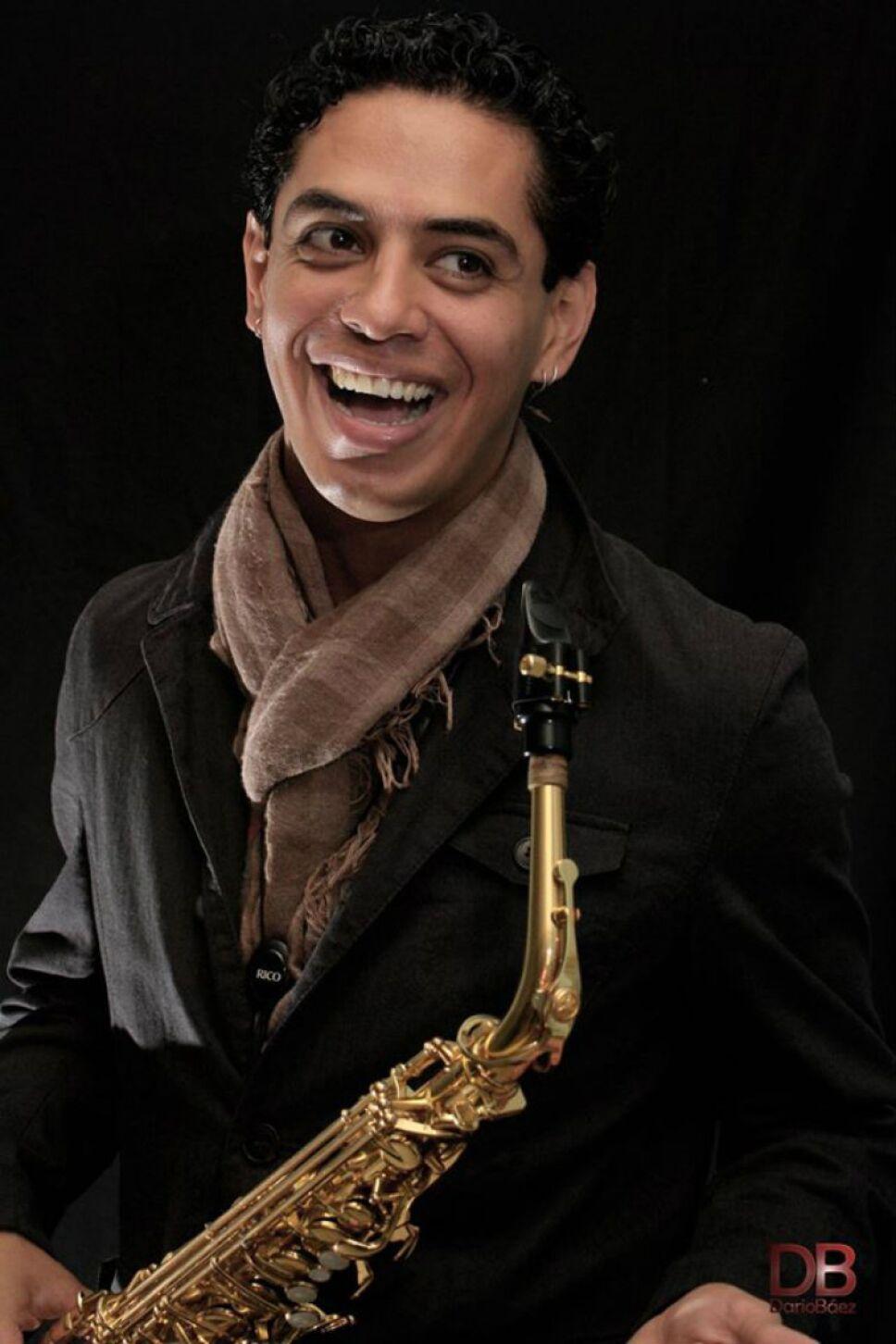 Pavel Loaria dirige la primer Big Band de niños y jóvenes en México