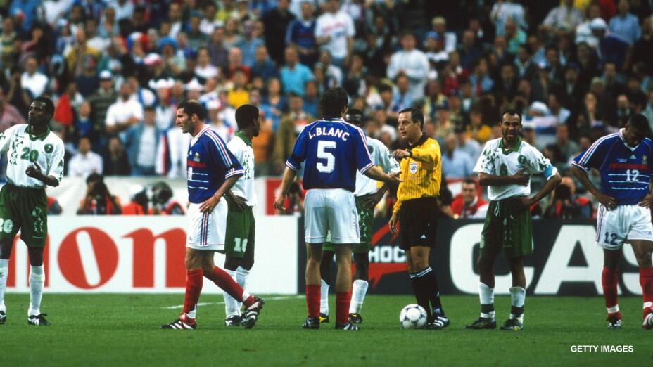 Arturo Brizio expulsa Zinedine Zidane