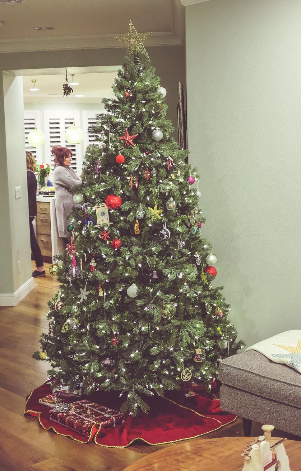 Beneficios del árbol de Navidad natural.jpg