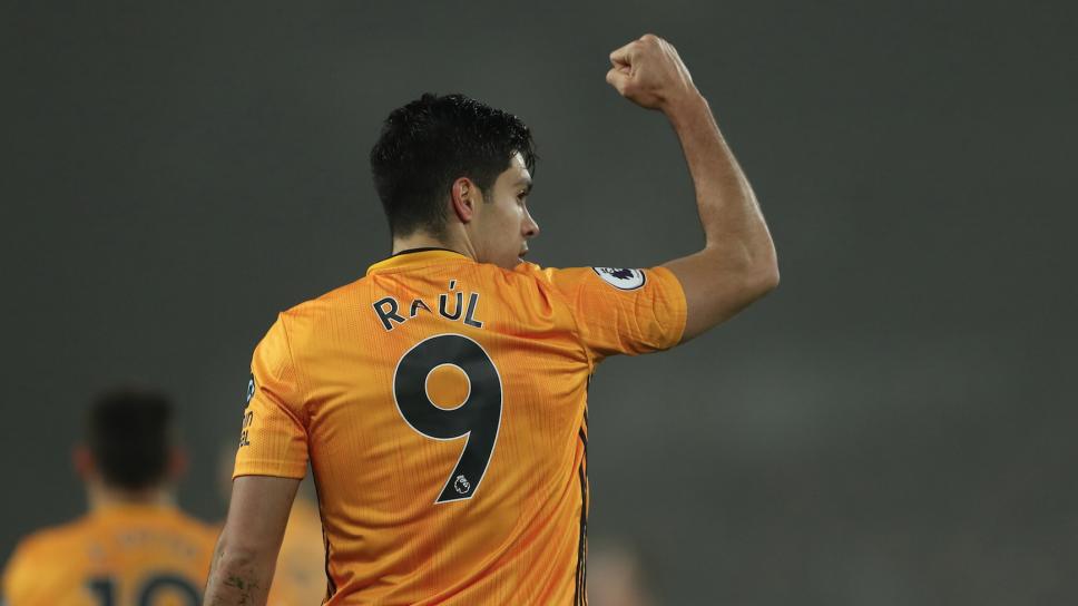 ¡Raúl Jiménez anota en derrota ante el Liverpool!