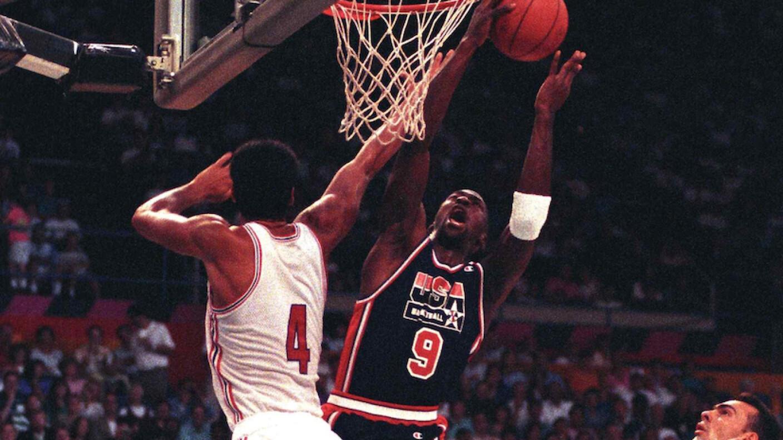 Michael Jordan, campeón olímpico.png