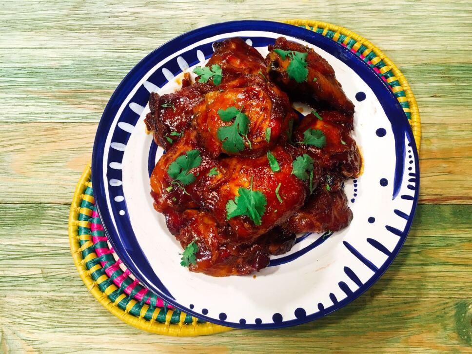 muslos en piloncillo y chile, receta, cocineros mexicanos, tv azteca