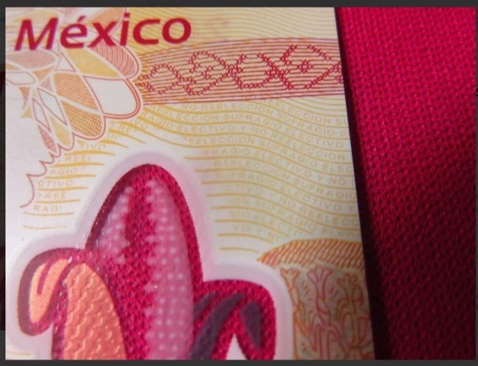 Tus billetes de 100 podrían valer hasta 500 pesos si tienen este error que dice sufragio electivo no reelección
