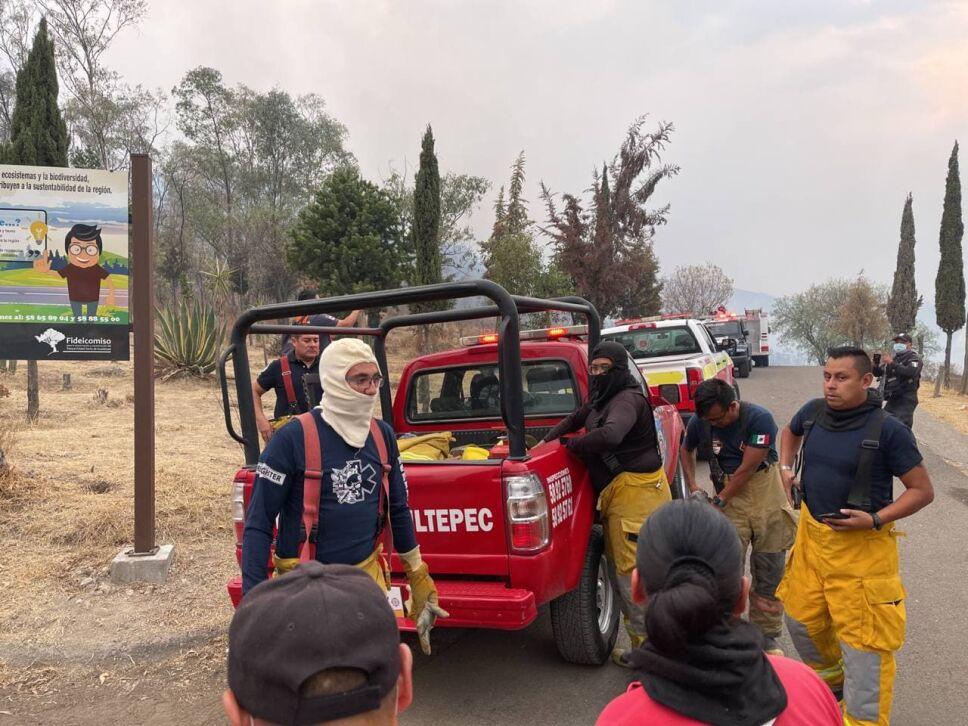 Fuera de control incendio en la Siierra de Guadalupe.jpg