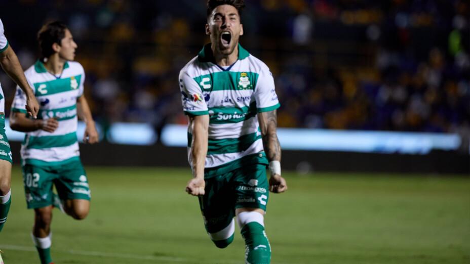 Fernando Gorriarán celebra con Santos