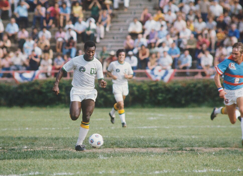 El 'Rey' Pelé fue el primer maestro del Jogo Bonito