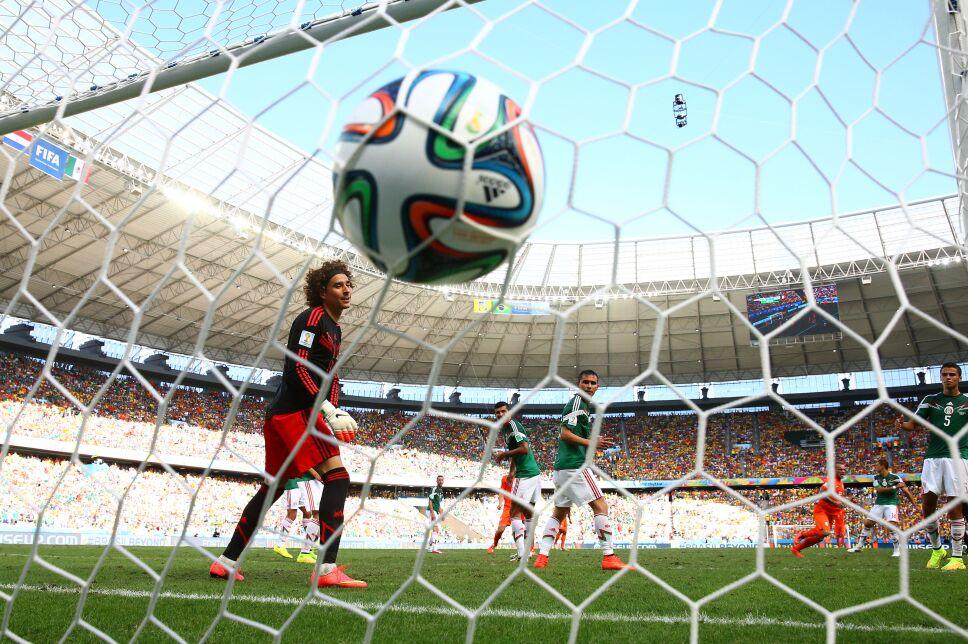 Wesley Sneijder anotaba para Holanda