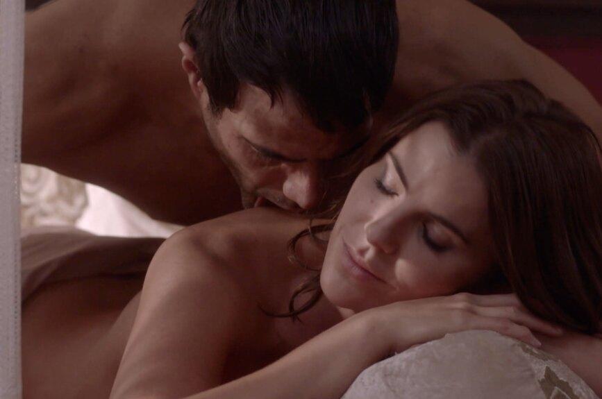 María y Valerio por fin estuvieron juntos, entre ellos la pasión corre por sus venas.