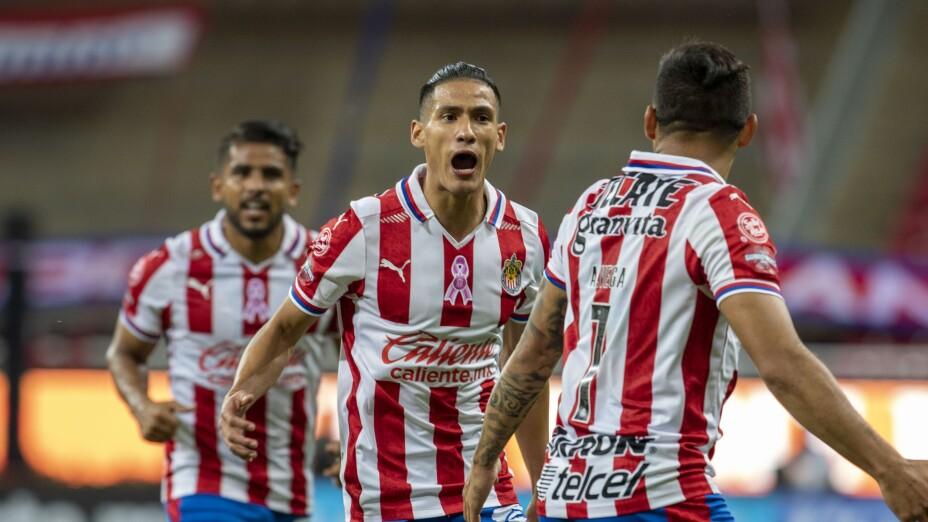 Celebración de gol de las Chivas