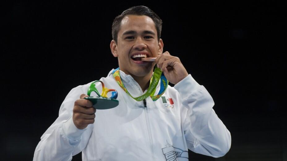 Misael Rodríguez, con la medalla de Bronce
