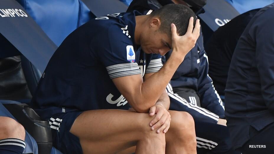 Cristiano Ronaldo con fuerte dolor en el tobillo
