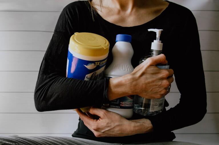 Que limpia mejor, el jabón, los desinfectantes o los sanitizantes