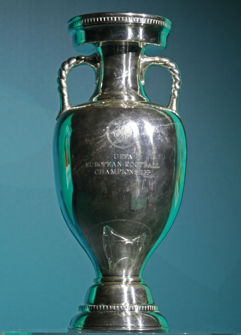 copa-eurocopa-henri-delaunay.jpg
