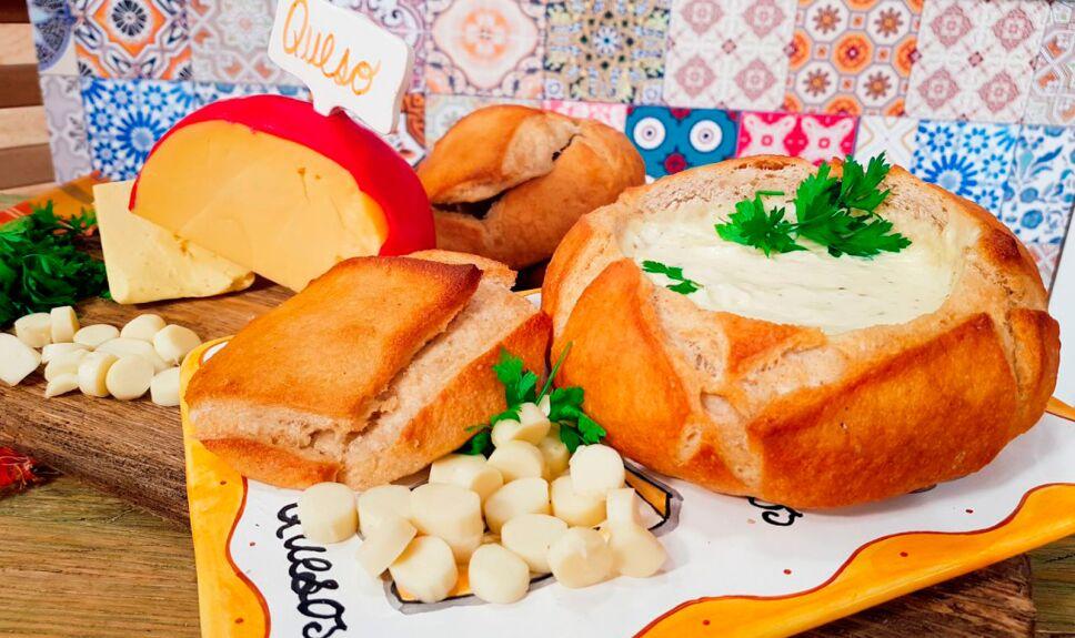 Crema de queso en pan campesino
