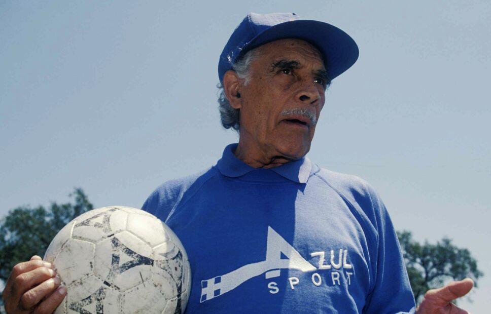 Nacho Trelles bicampeón con Cruz Azul