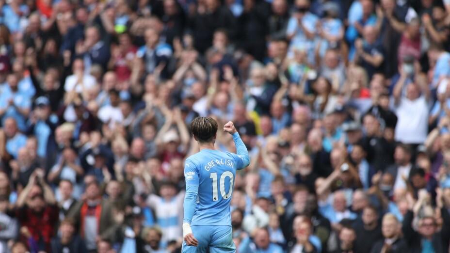 Grealish celebra con el Manchester City