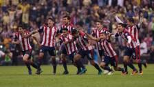 América 1-1 Chivas en la Copa MX, Apertura 2016. El Rebaño Sagrado eliminó en penales a las Águilas en la cancha del Estadio Azteca.