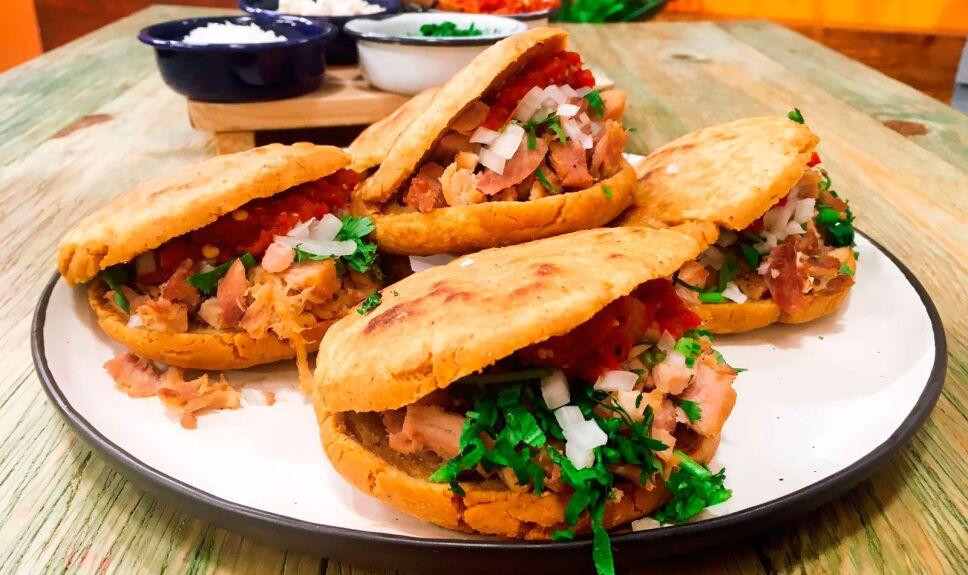 cocineros mexicanos, gorditas