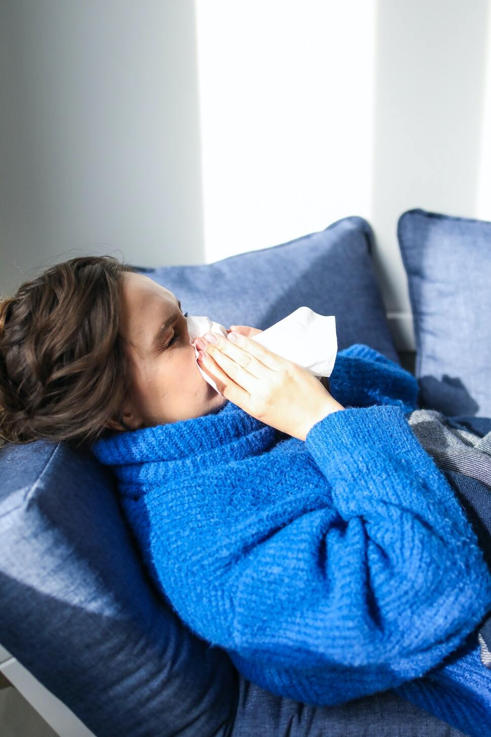mujer enferma covid
