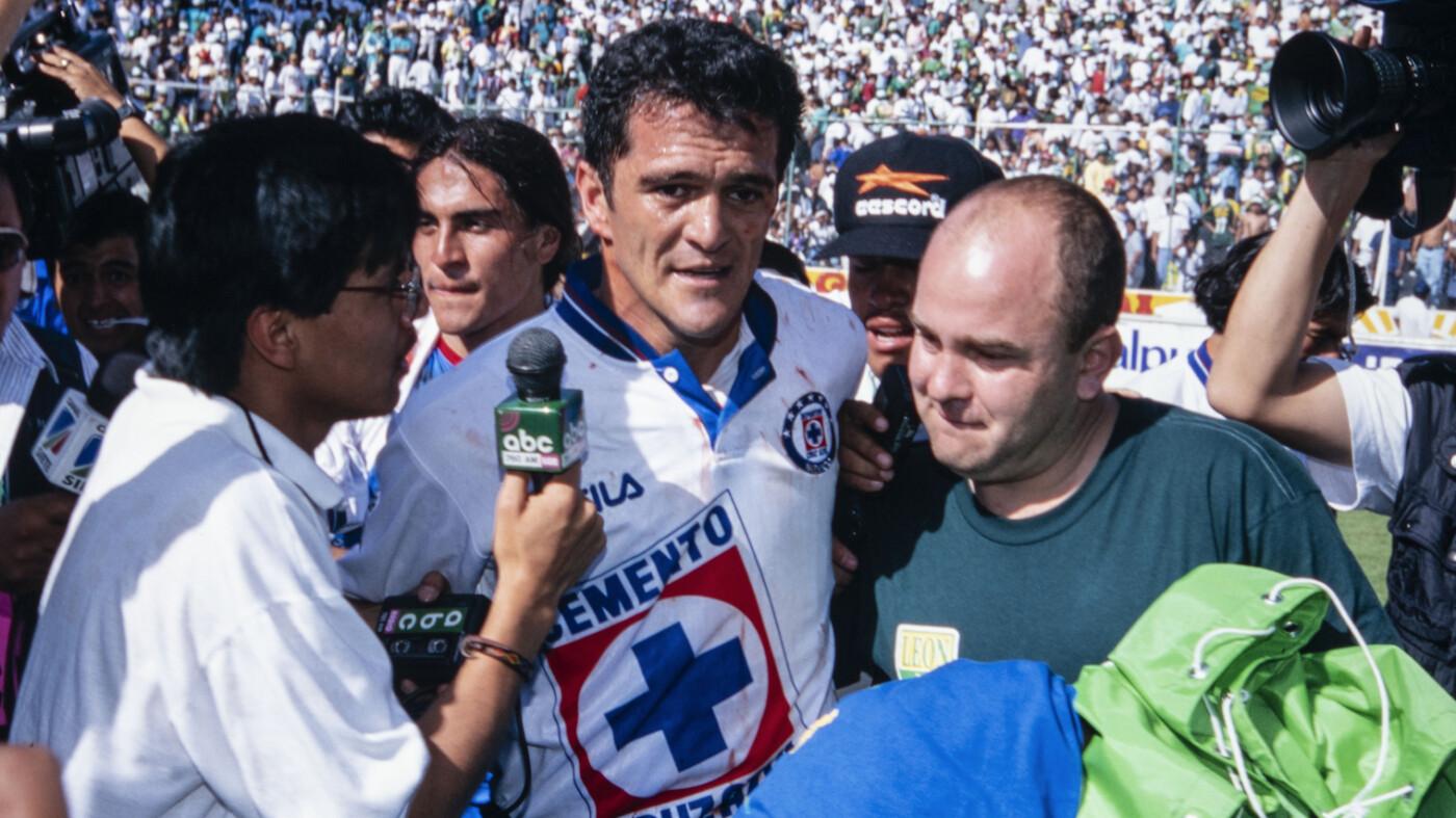 Carlos Hermosillo consiguió el gol del título.