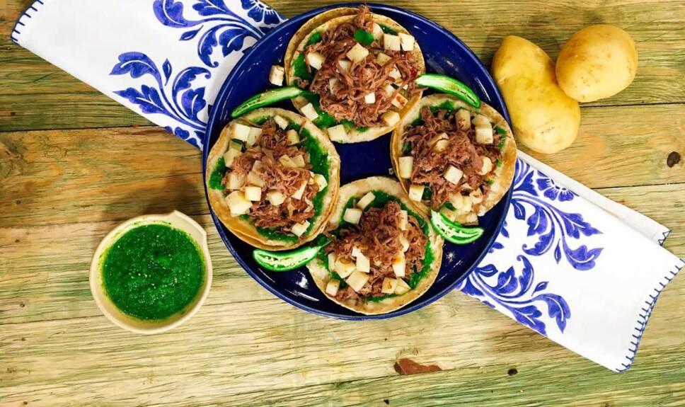 Receta Chalupas poblanas Cocineros Mexicanos