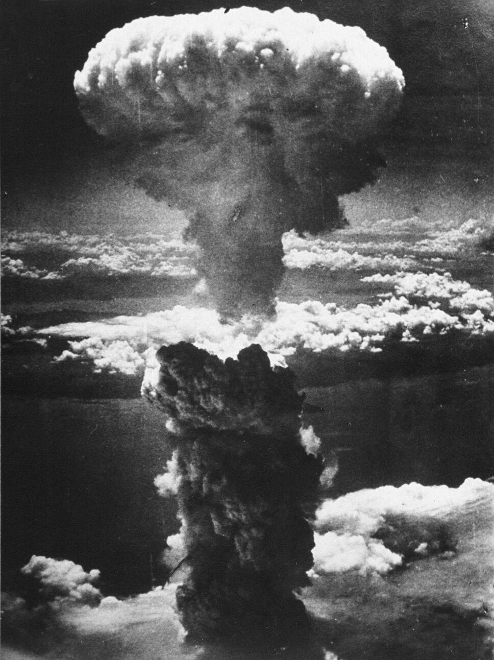 Explosión nuclear en Nagasaki, tres días después de que el ejército estadounidense redujera a escombros Hiroshima