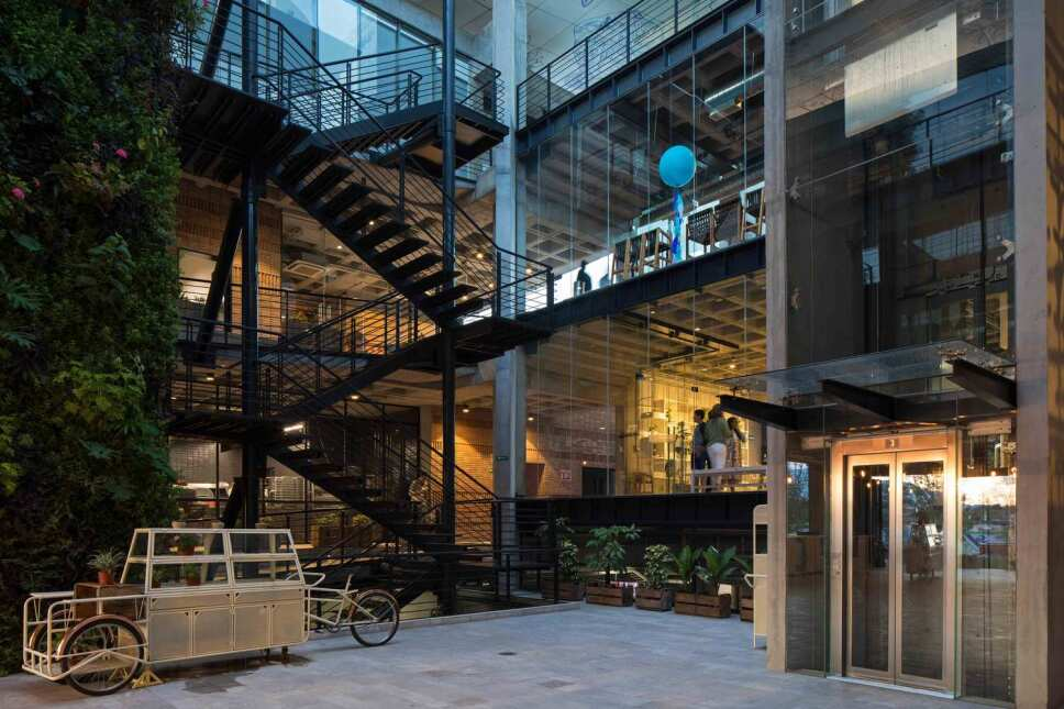 Conexiones entre pisos de IL Mercato / Foto Especial