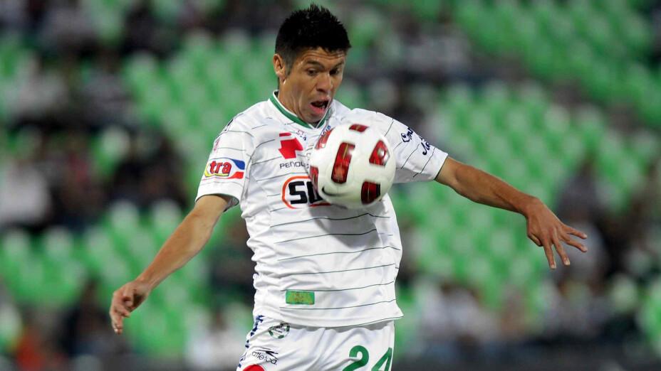 Oribe Peralta despuntó en Santos