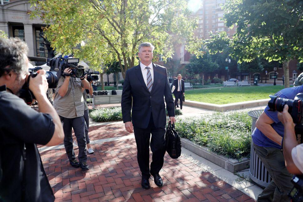 Inicia el juicio contra Paul Manafort, exjefe de campaña de Trump