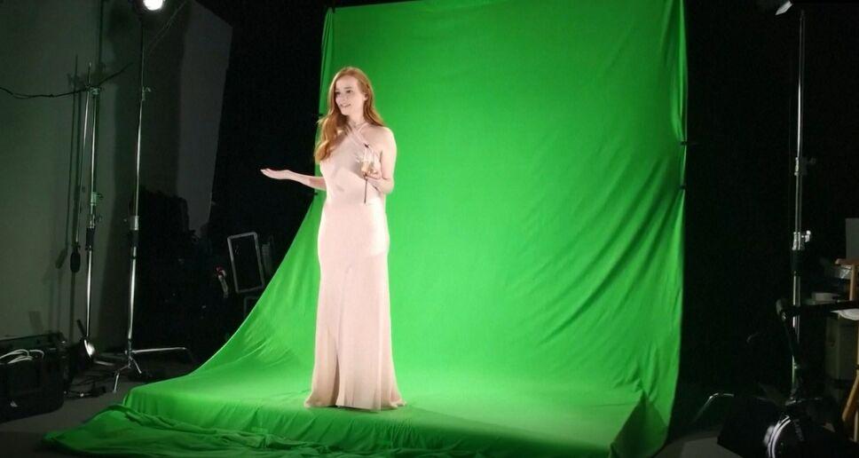 Dama de honor holograma pantalla verde.jpg