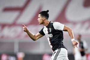 Cristiano Ronaldo anota un golazo