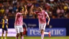 Hugo Nervo festeja su gol con el Atlas, ante el San Luis.