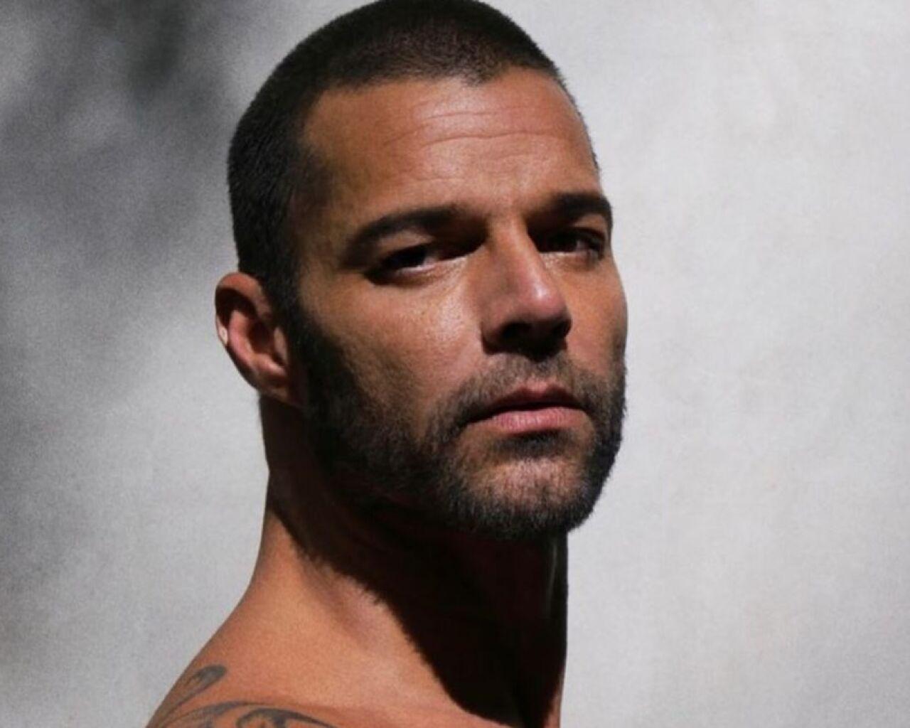 Ricky Martin vacunación Covid-19.jpg