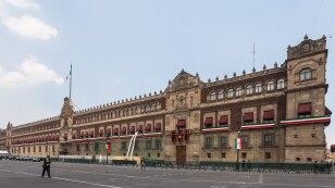 Palacio_Nacional,_México_D.F.,_México,_2013-10-16,_DD_119.jpg