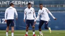 Messi y Mbappé en un entrenamiento con el PSG