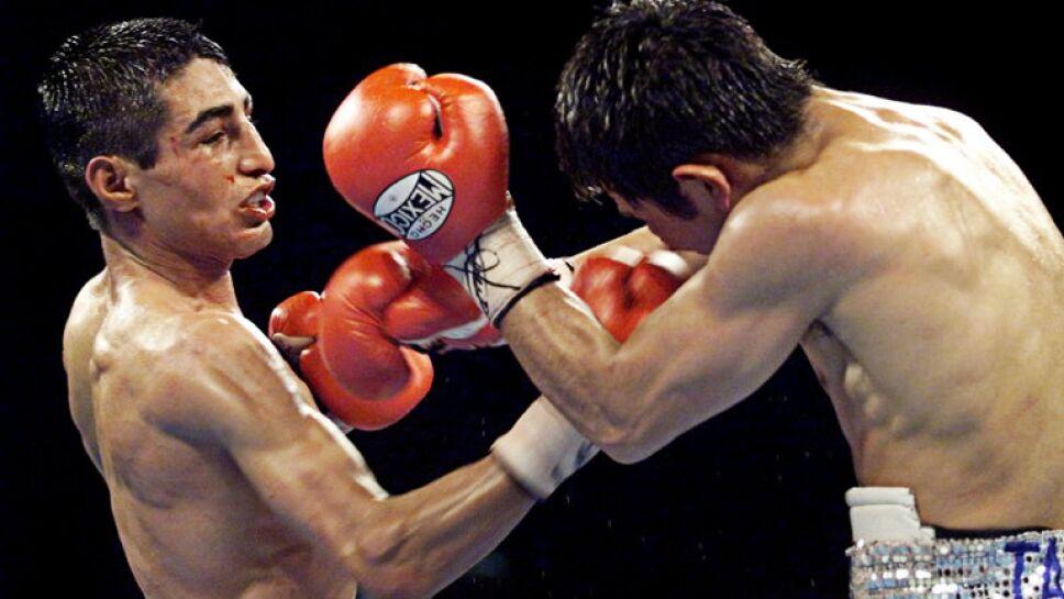 Tremenda guerra entre Marco Barrera y Érik Morales