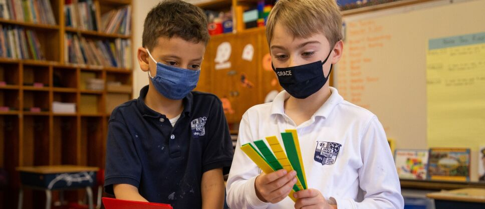 La escuela privada, Grace Church School, en Manhattan, Nueva York, busca crear un ambiente de inclusión y antirracista.