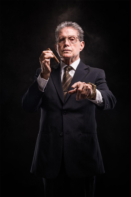 Hombre del Cigarro El político