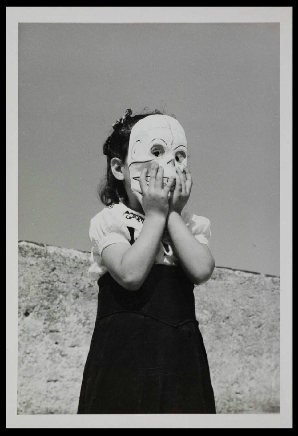 Fotografiara parte de la exposición Día de muertos. Ritos y tradiciones Foto Especial