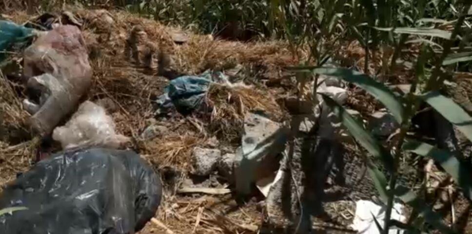Todo tipo de desechos contaminan el río Atoyac en Oaxaca.png