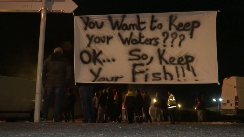 Pescadores franceses protestan por BREXIT en Reino Unido